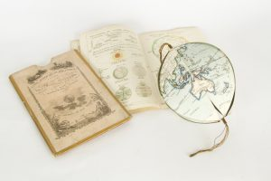 Globe artificiel et mécanique a l'usage du petit géographeWEYGAND, F.J.# 8105