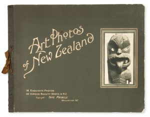 Art photos of New Zealand : 18 exquisite photos of famous beauty spots in N.Z.