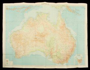 [MAP] Australia : with boundaries, roads and railwaysJOHN BARTHOLOMEW & SON# 13097