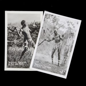 [QUEENSLAND] Australian Aboriginal in full war paint / Australian Aboriginal & totem pole[QUEENSLAND GOVERNMENT]# 7168