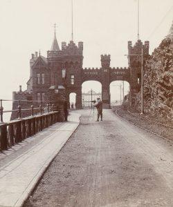 Photographer setting up his camera on Marine Drive, Douglas Head, Isle of Man, circa 1900WORGAN, Herbert# 14819