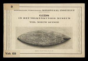 [NEW GUINEA TRIBAL ART] Gids in het Volkenkundig Museum VIII. Nieuw Guinee.LAMSTER, J.C.# 14610