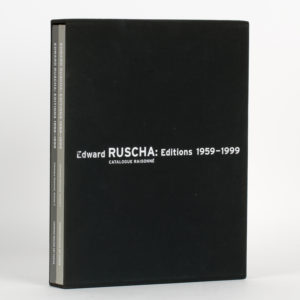 # 15776  ENGBERG, Siri  Edward Ruscha Editions 1959-1999. Catalogue raisonné.